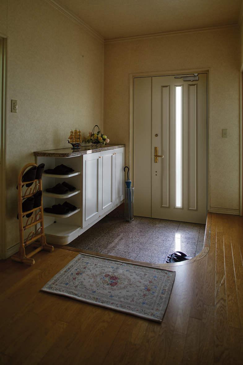 ドアから引戸Before