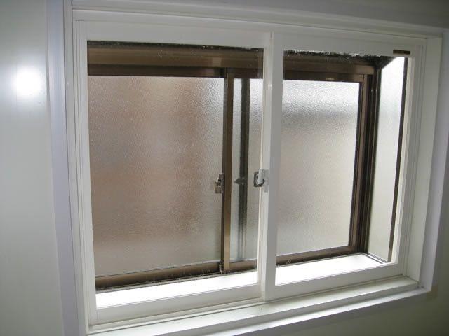 内窓を設置して二重窓に