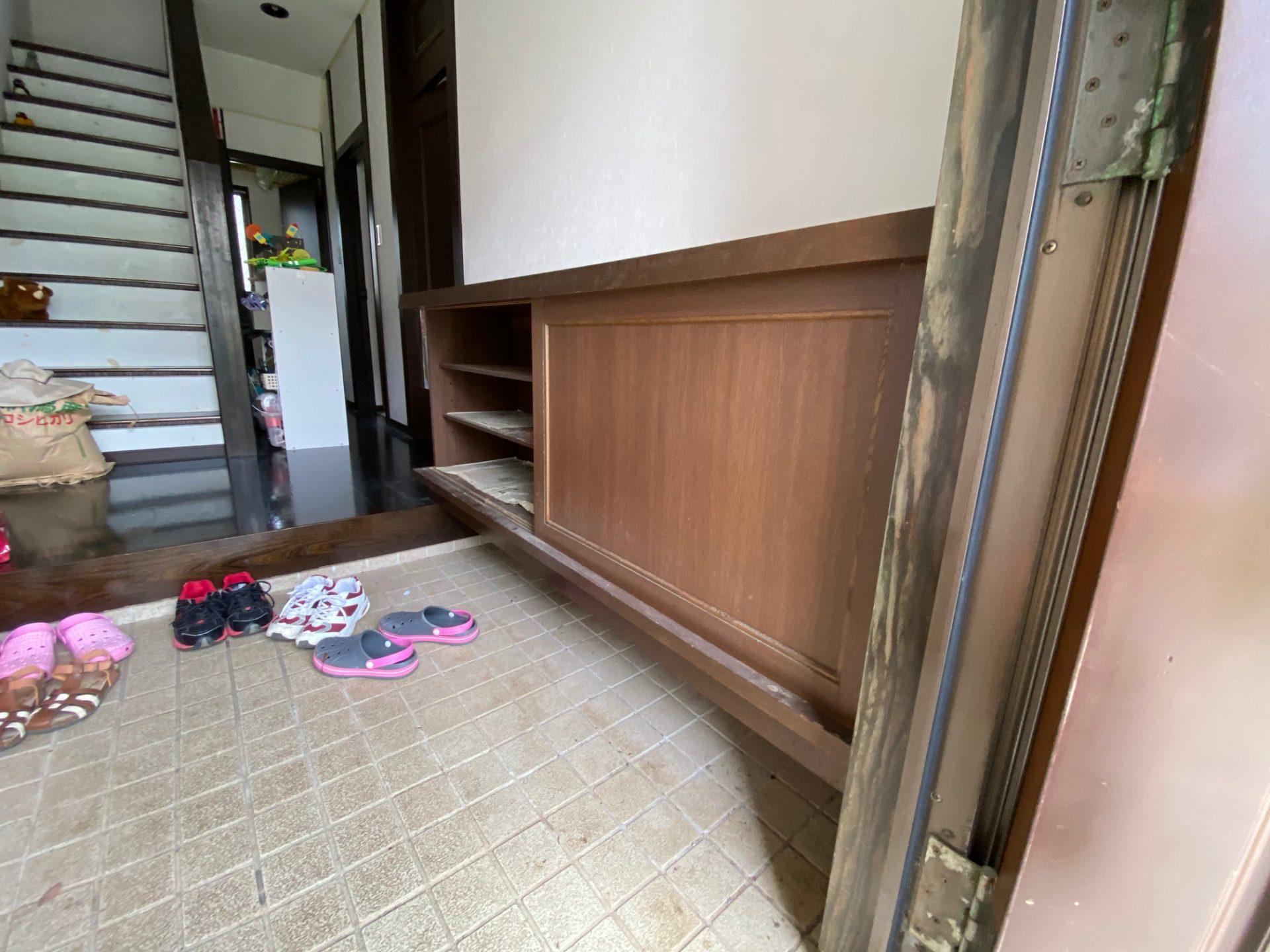 長岡市 玄関ドア・玄関収納の交換で玄関一新!