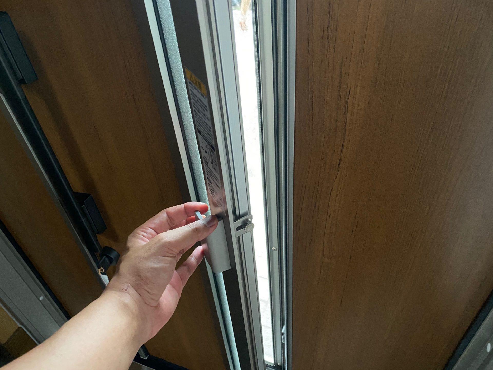 見附市 玄関ドアリフォーム・補助金よりも窓助の方が安価!?